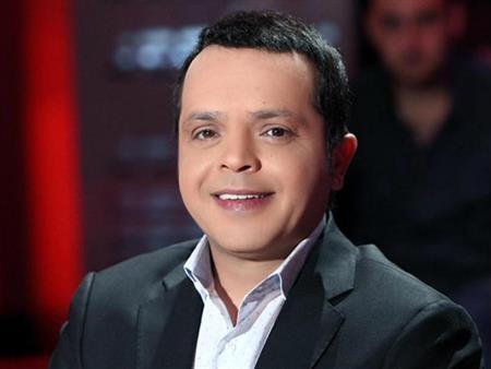 """محمد هنيدي يعلن عن مسابقة جديدة على """"فيسبوك"""" ويؤكد: محدش طويل هيفوز"""