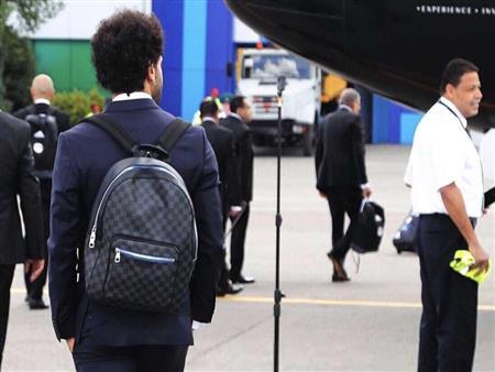 بالصور- اختار حقيبة الظهر المناسبة لك.. على طريقة محمد صلاح