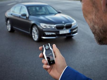 3 كماليات في السيارات الحديثة تسبب المتاعب.. هل تختفي قريباً؟