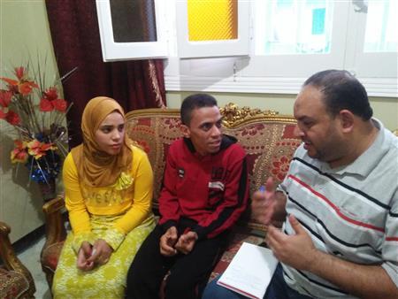 """من دار رعاية الأطفال إلى """"الكوشة"""".. قصة حب عائشة ومحمد تكلل بالزواج -(صور)"""