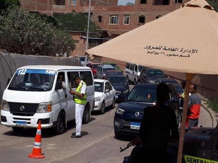 مدير المرور يتفقد الطرق والخدمات الأمنية في أول أيام الدراسة