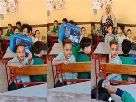"""""""تعبان ومش مركز"""".. أسرة الطفل الباكي داخل مدرسته تكشف أسباب دموعه"""