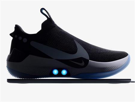 فيديو - أحدث صيحات Nike.. حذاء رياضي تتحكم فيه بالمحمول: تعرف على سعره