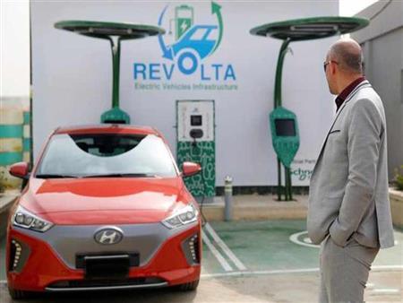 """""""ريفولتا إيجيبت"""" تدعم انتشار السيارات الكهربائية بشحن مجاني داخل محطاتها"""