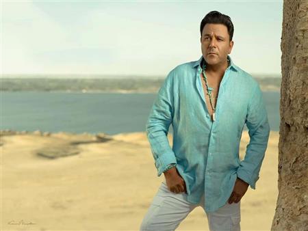 """""""مصراوي"""" يكشف عن التفاصيل الكاملة لأزمة محمد فؤاد مع شركة قنوات"""