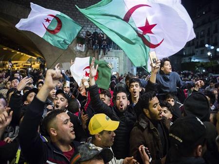 مطالب على قائمة الانتظار.. لماذا يستمر الجزائريون في حراكهم حتى الآن؟
