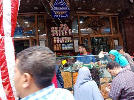 بالصور| نصائح وأسعار.. كل ما تريد معرفته عن بلح وياميش ومشروبات رمضان