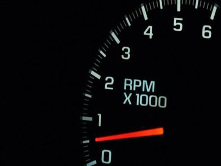 خبير يوضح أهمية عداد الـ RPM في السيارة