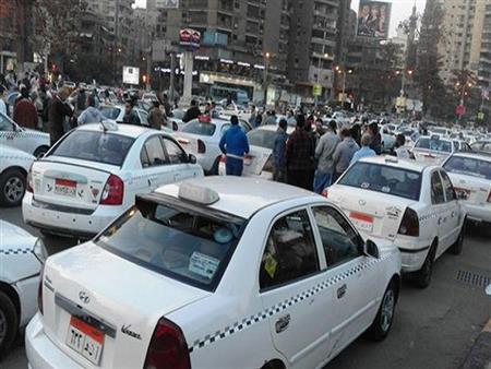 """تصل لـ""""السجن"""".. خبير يوضح عقوبة عدم تشغيل عداد التاكسي وفق تعديلات قانون المرور"""