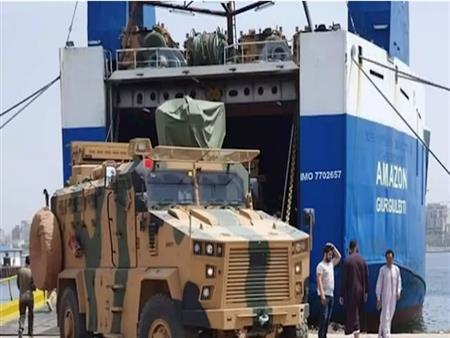 سفينة محملة بالأسلحة.. كيف تشعل تركيا الحرب في ليبيا؟