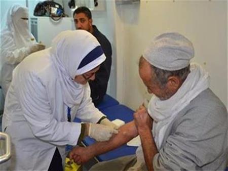 """بشرى سارة لـ125 ألف مريض.. أول دواء مصري لعلاج """"المنتكسين"""" من فيروس سي"""