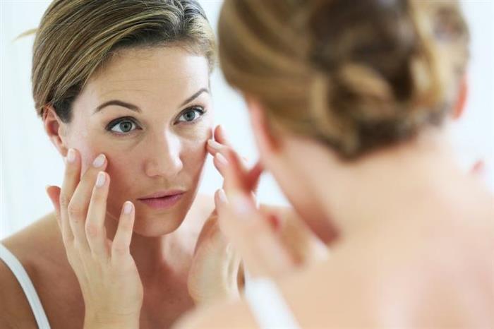 تعاني من شحوب الوجه؟.. 7 عادات خاطئة تدمر بشرتك (صور)