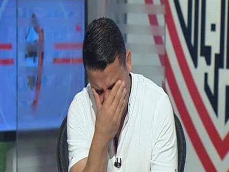 بالفيديو.. خالد الغندور يبكي على الهواء أثناء مداخلة رئيس الزمالك