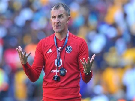 بعد ساعات من تعيينه.. صحيفة جنوب أفريقية: مدرب الزمالك يواجه فضيحة أخلاقية