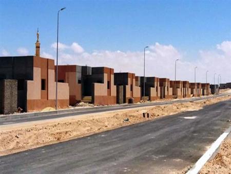 """أزمة رئيس مدينة الضبعة.. بدأت بـ """"حق انتفاع"""" قرى الساحل الشمالي وانتهت بعزله (فيديو)"""