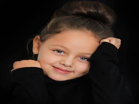 20 صورة و8 معلومات عن أجمل طفلة روسية.. أصلها مصري