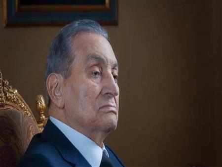 طبيب مبارك: الرئيس الراحل عانى من سرطان الأثنى عشر والرجفان الأذيني