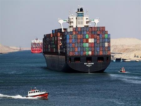 اقتصادية قناة السويس: 17 مليار دولار استثمارات و 100 ألف فرصة عمل خلال الفترة الماضية