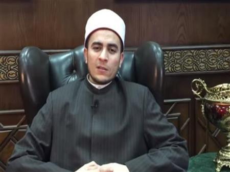 بالفيديو  أمين الفتوى يوضح حكم الصلاة بارتداء الحذاء: جائزة في هذه الحالة