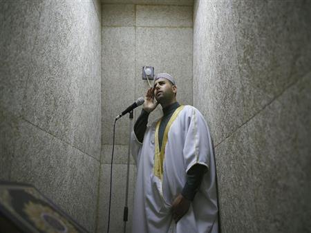 """ماذا تردد عندما تسمع قول المؤذن """"الصلاة خير من النوم""""؟.. البحوث الإسلامية يوضح"""
