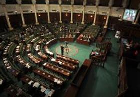 برلمان تونس يسحب الثقة من حكومة الحبيب الصيد