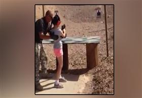 طفلة تقتل مدربها بالخطأ أثناء تدريبها على الرماية