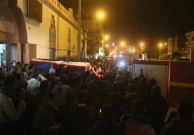 بالفيديو.. الآلاف يشيعون جثمان شهيد الشرطة بنجع حمادي في جنازة عسكرية