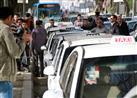 بالصور والفيديو - وقفة احتجاجية لسائقي التاكسي الأبيض.. ومطالب بتدخل وزير الداخلية