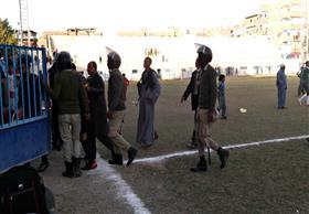 اشتباكات بين لاعبي فريقي الشبان المسلمين وقفط والأمن يتدخل