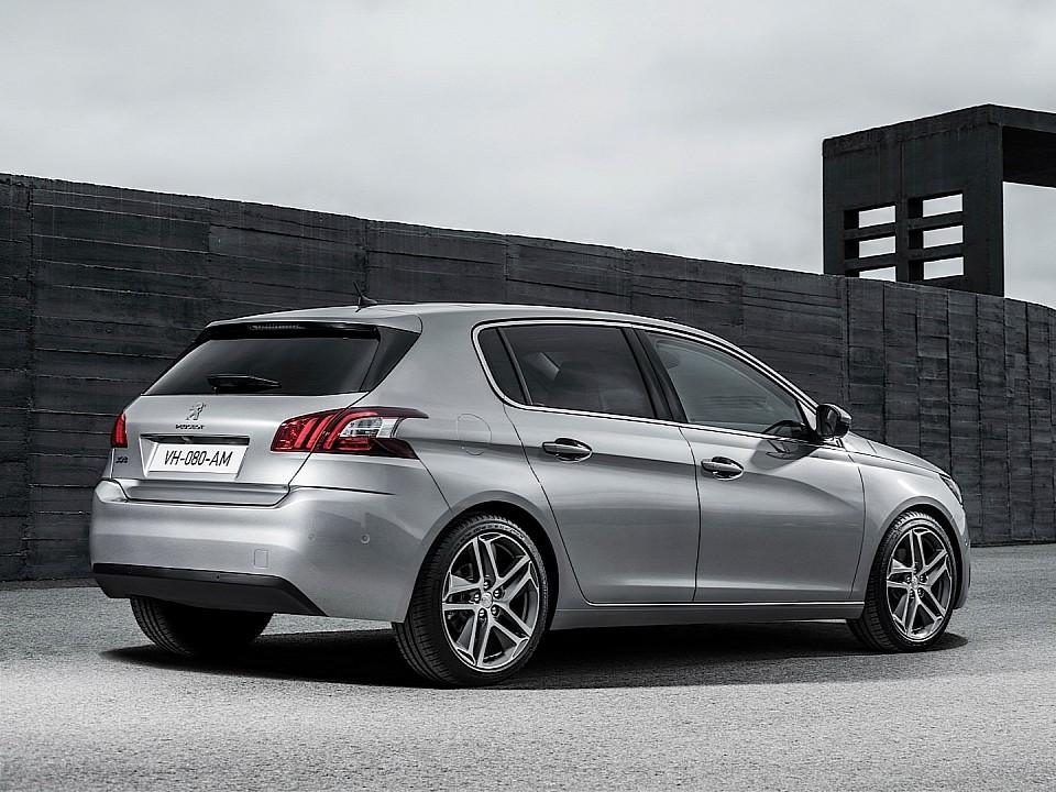 بيجو 308 2014-fresh-2014-peugeot-308-photos-leaked-shed-new-light-on-french-compact-photo-gallery-720p-6