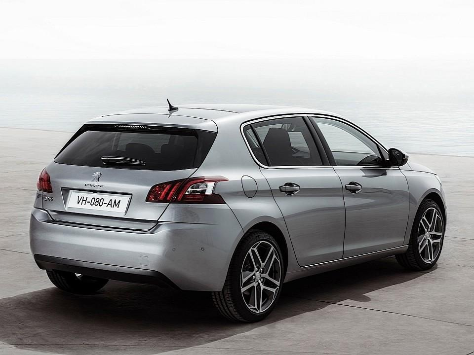 بيجو 308 2014-fresh-2014-peugeot-308-photos-leaked-shed-new-light-on-french-compact-photo-gallery-720p-4