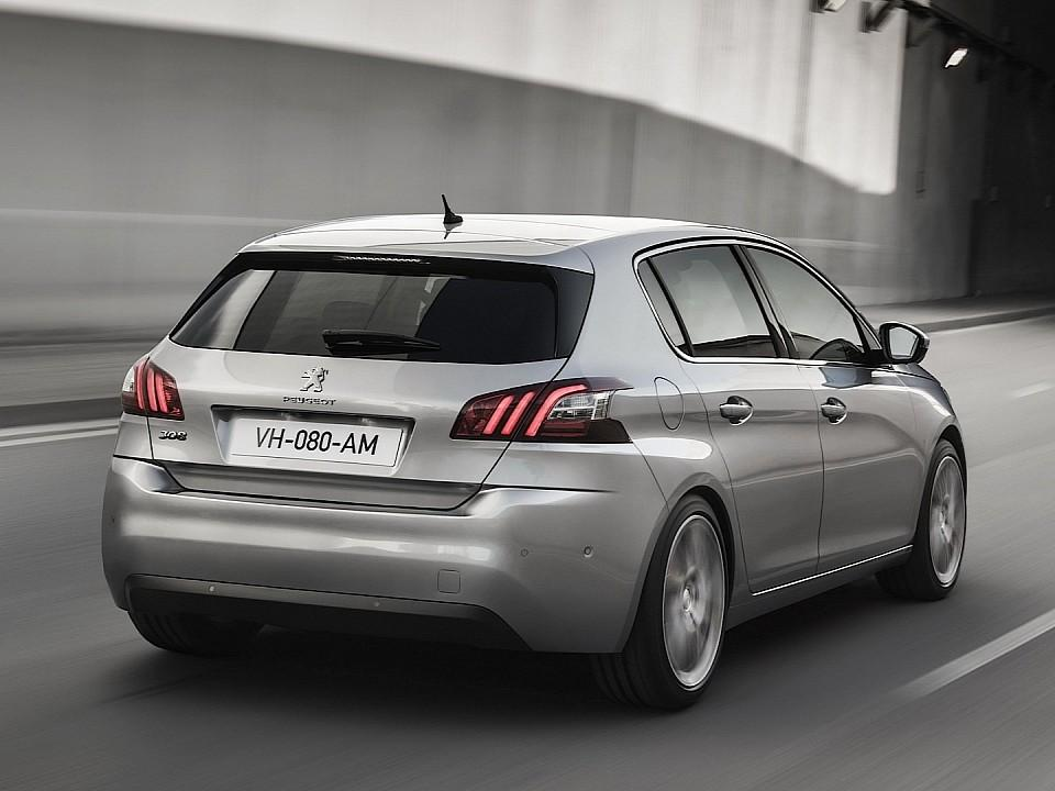 بيجو 308 2014-fresh-2014-peugeot-308-photos-leaked-shed-new-light-on-french-compact-photo-gallery-720p-15
