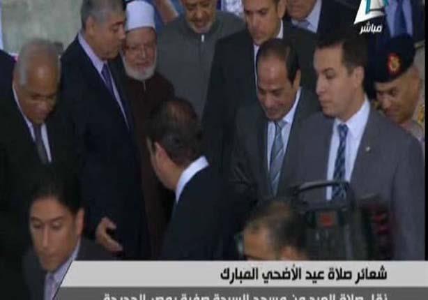 2014 10 4 6 50 40 96 شاهد الرئيس السيسي يصلي صلاة العيد بمسجد السيدة صفية