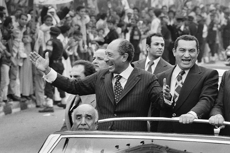 شاهد بالصور سيارات رؤساء مصر من عبد الناصر للسيسى 4 10/2/2015 - 12:01 ص