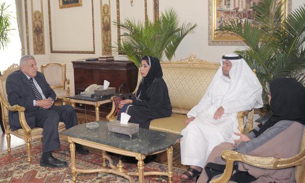 الإمارات تدعو محلب للمشاركة في فعاليات منتدى الإعلام العربي