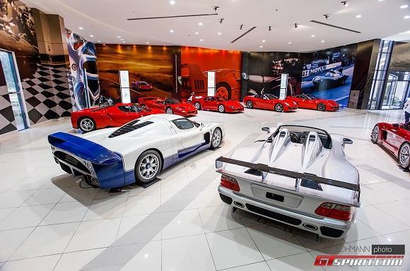 صور وفيديو: اسطول سيارات اسطورى لشيخ اماراتى 12 4/8/2015 - 11:14 م