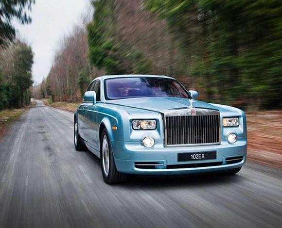 بالصور : أجمل 10 سيارات كهربائية فى العالم 8 7/1/2015 - 12:12 ص
