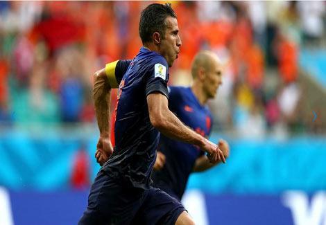 بالصور والفيديو- سقوط بطل العالم.. هولندا تكتسح إسبانيا وتثأر لنهائي 2010 بخماسية-1-(2)