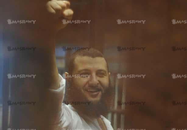 14 صورة ترصد أول ظهور لمرسي بعد قرار احالته للمفتي