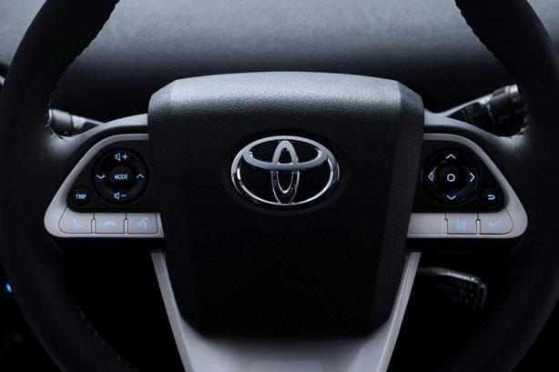 اجدد اخبار السيارات عيون 2015_