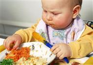 تجنبي إعطاء طفلك هذه الأطعمة في عامه الأول