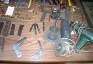 ضبط عامل يدير منزله ورشة لتصنيع الأسلحة النارية بمركز أبوتشت في قنا