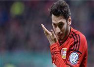 لاعب تركي بالدوري الألماني يرد على هجوم الجماهير بطريقة رائعة