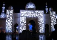 بالفيديو والصور.. مسجد الشيخ زايد يتزين بأروع التصاميم وقت الأذان