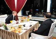 بالصور.. عشاء السيسي مع بوتين في برج القاهرة