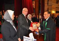 بالصور..تكريم جامعة قناة السويس بمؤتمر هيئة الجودة بجامعة القاهرة
