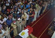 بالصور.. وكيل الأوقاف بالدقهلية يؤم المصلين في جنازة أحد شهداء سيناء