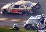 بالفيديو .. أبرز حوادث سباقات السيارات في 30 يوم