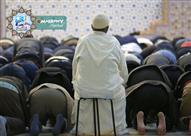 ما حكم الصلاة قعودا لمن له القدرة على الوقوف ؟