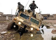 """بالفيديو.. لقطات مذهلة لعمليات إنزال جوي لعربات """"هامفي"""" العسكرية"""